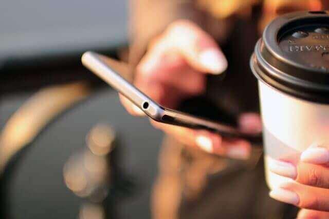 mobila a káva